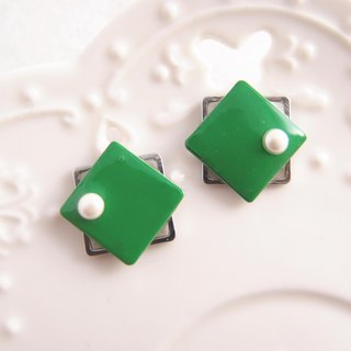 geometry. Green - non-painful U-shaped ear clip stainless steel ear pin silicone ear