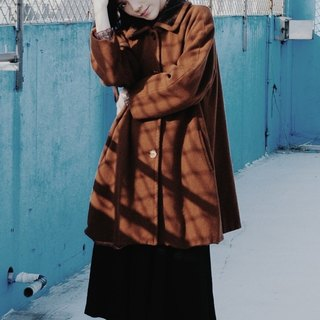 Spend vintage / Italy. The Double Life of Véronique brown brown velvet collar coat