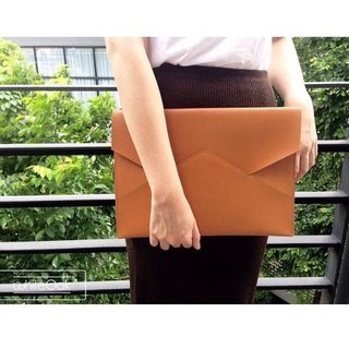 TAN postman clutch / Birthday Gifts / Exchange Gifts / Graduation Gifts