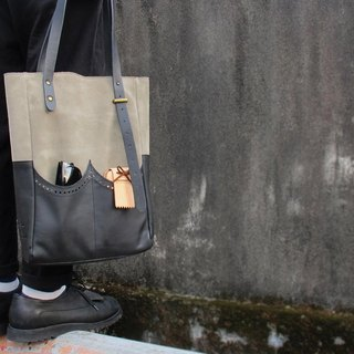 sample leather X ripples product Oxford England suede tote bag by hand sewing machine MIT