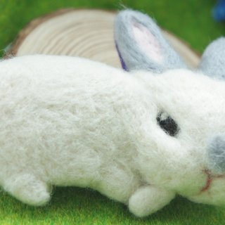 Wool felt lazy Bunny pin / brooches custom