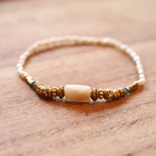 <☞ HAND IN HAND ☜> White Treadstone - Banana bracelet (0417)