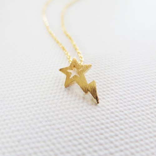 Cha mimi. The Simple Life. Childlike stars Lightning Hairline fog gold necklace