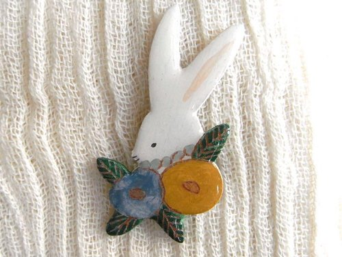 ● tree brooch _ rabbit 6