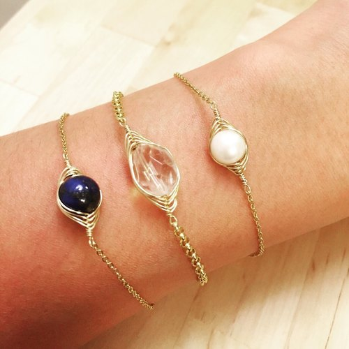 {Lucky} natural gemstone jewelry small fine gold bracelets Note // // 14K lapis lazuli, quartz, pearl