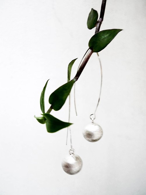 _ Minimalist silver earrings Sphere