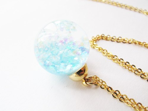 *Rosy Garden* Light blue glitter with water inisde glass ball necklace