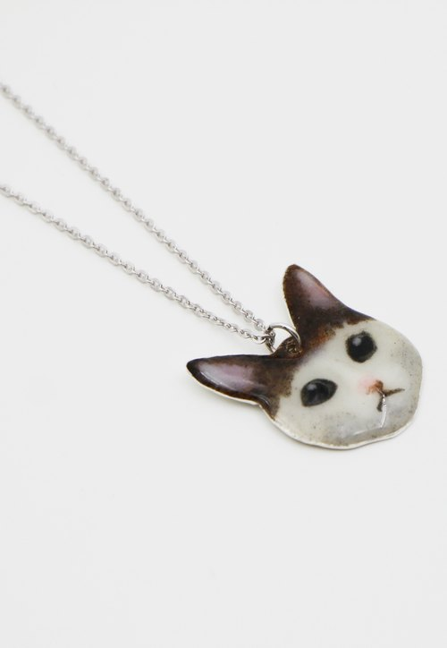Painted cat. Silver Necklace