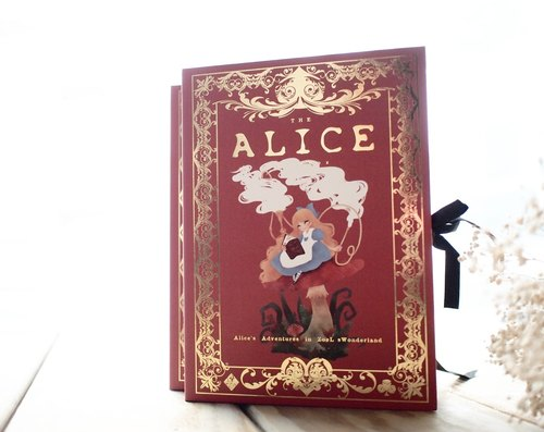 Hardcover book retro cassette ▌ZoeL x ▌ first edition of Alice in Wonderland red paragraph