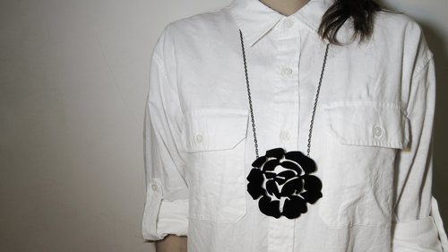 Shadow Silhouette Series - Black Rose Necklace