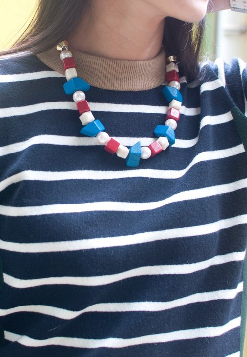 Mixed Beaded Bib Red White Blue Chunky Statement Necklace NL0614