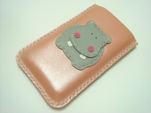 { Leatherprince 手工皮革 } 台灣MIT 粉紅色 可愛 河馬 iPhone 純手工牛皮保護套 / Hugo the Hippo iPhone leather case ( Metallic pink )