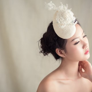 """Being of Love"" tadpole-shaped floral lace English-style hat / Birdcage Veil / Bridal Headdress"