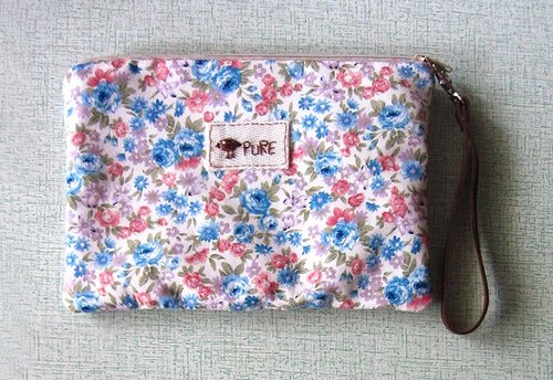 Bird. Floral embroidery bag / Blue Floral