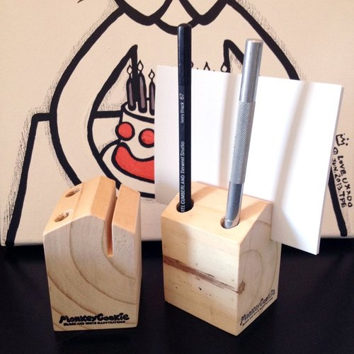 Hand happiness dual cabins note paper & pen holder
