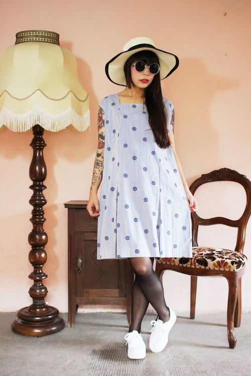 F1148 (Vintage) white bottom rudder design fabric flower vintage blue striped cotton sleeveless dress