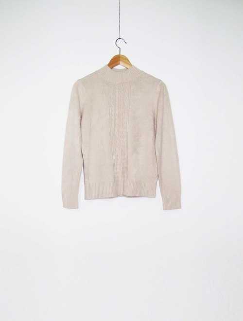 Wahr_ small twist sweater