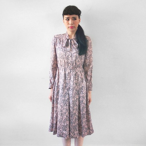 (Special) pink long-sleeved gray flower vintage bandage dress
