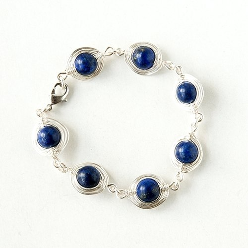 Fish Bone Bracelet (Lapis) / wire / beads / leather material / handmade /