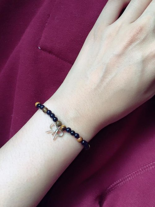 Fuchia ~ Christmas planet ~ blue sand / tiger eye bracelet