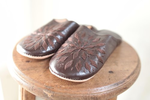 Ray Babouche embroidered leather slippers Moroccan sheep