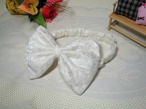 White ~ bow hair band