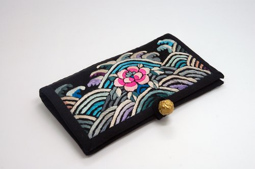 Ground black satin embroidered antique old sea cliff river card holder