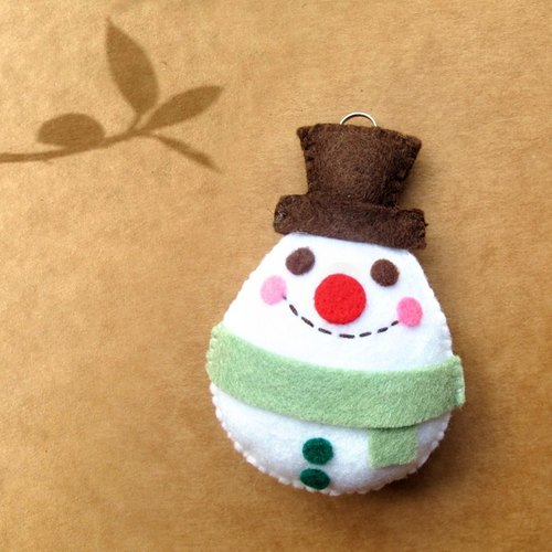 Handmade non-woven Charm: Gentleman Snowman (mobile phone strap, key ring, bag strap)