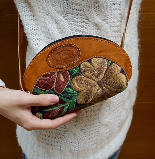 HANDMADE FLORAL EMBROIDERY & LEATHER CROSSBODY PURSE