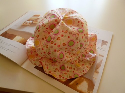 Flower circle Baby hat baby hat