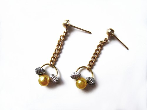 Time Travel【handmade earrings:Little Angel】