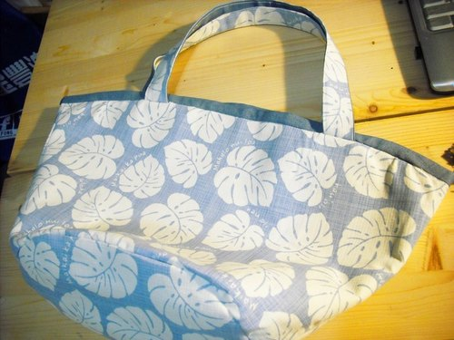 Warm hand-made super practical large tote bag