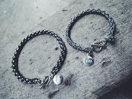 Zhu. Handmade bracelet * leather cord wrapped round chain