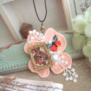 Garohands frame in the forest stuffed rabbit Bonnie necklace brooch * b N010 dual-use forest-based gift