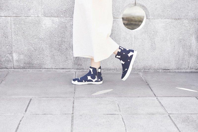 夏日清爽鞋櫃 | 個性兩穿.足袋日.京都大圓點.厚磅棉.拉鍊.莫藍色