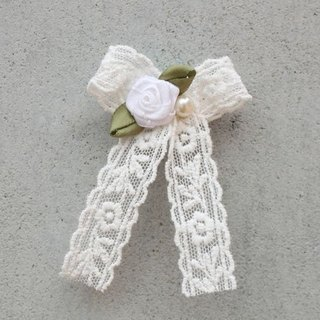 [Brooch] small white flowers - Small White Brooch