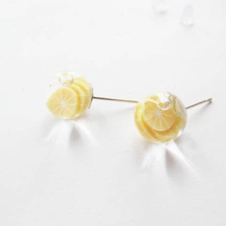 *Rosy Garden*peel off orange water inside glass ball stud earrings