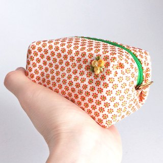 Pouch with Japanese traditional pattern, Kimono (Small) [Pure Silk]