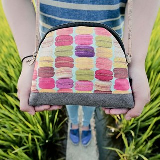 Mama Handcraft // Zippered Patchwork Travel Pouch, Cosmetic Bag - Macaron Tower