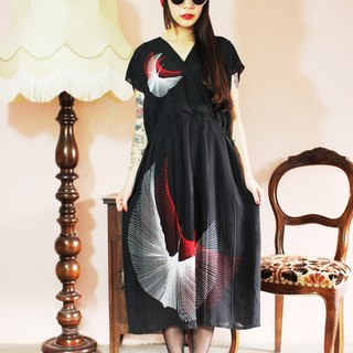 F1197 [in Japan] (Vintage) black with red and white Flying Crane pintucks vintage dress