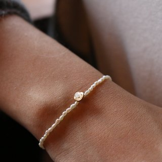 < ☞ HAND IN HAND ☜ > Moonstone - talk about things pearl bracelet (0326)
