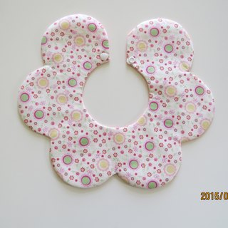 Flower pattern circle shape bibs bibs baby bibs