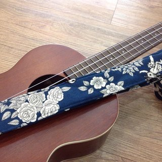 [Magic] Ukulele strap finished wonderland * 1, can be customized