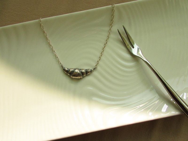 mittag [NL416] Croissant Croissants designer handmade silver necklaces - with brand wood jewelry box silver polishing cloth ... over taking free transport