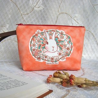 <Animals in the Secret Land> The Rabbit in bushes Clutch / Pouch