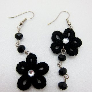 Black lace knit flower. Asymmetric earrings (spot)