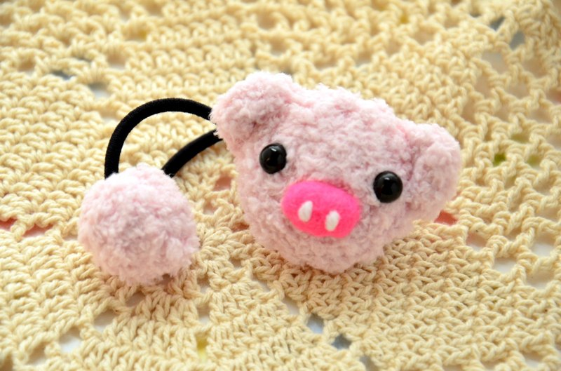 Knitting soft tresses - pig