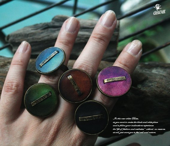 Atwill. VIGOUR. Vitality Cow leather brushed brass lettering ring / five-color l