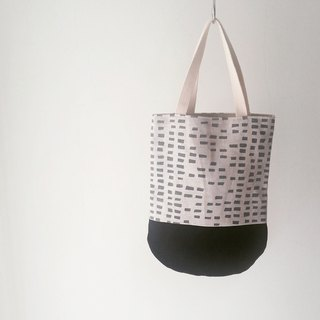 Moshimoshi | holiday small round bag - gray square