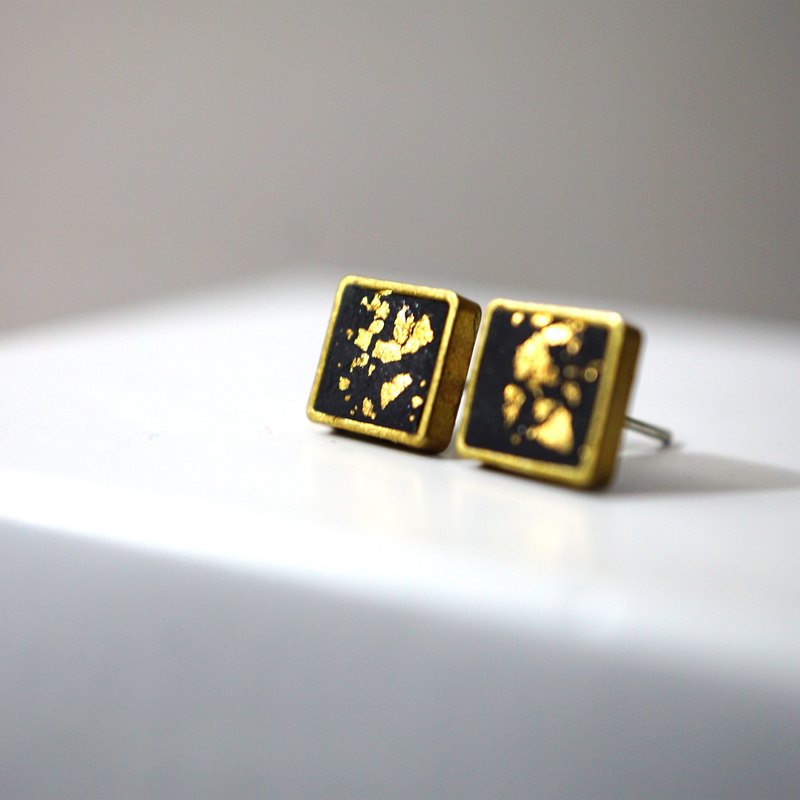 Black Gold Leaf Bezel Br Polymer Clay Stud Earrings Designer Studdedheartz I